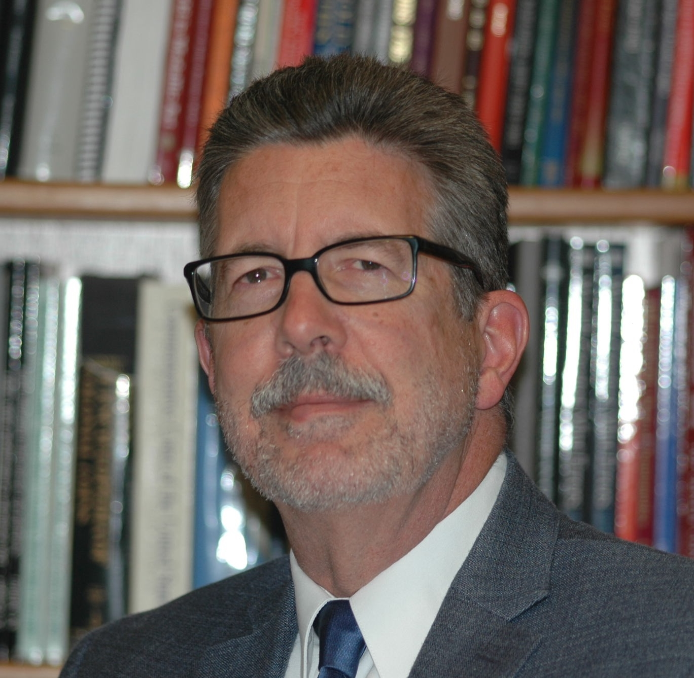 main image for Numismatic Literary Guild Names Ron Guth Executive Director