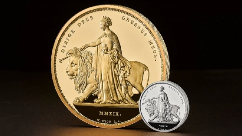 main image for Royal Mint issues unique 5-kilo gold coin (yes, that's about 11 pounds!) Sorry, it's already sold